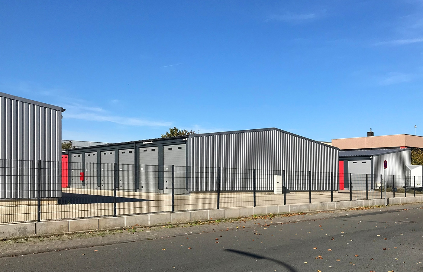 Gelände Garagenpark Storage Köln Rodenkirchen · Architektin AKNW Dipl.-Ing. Lubov · Architekt / Architekturbüro Köln