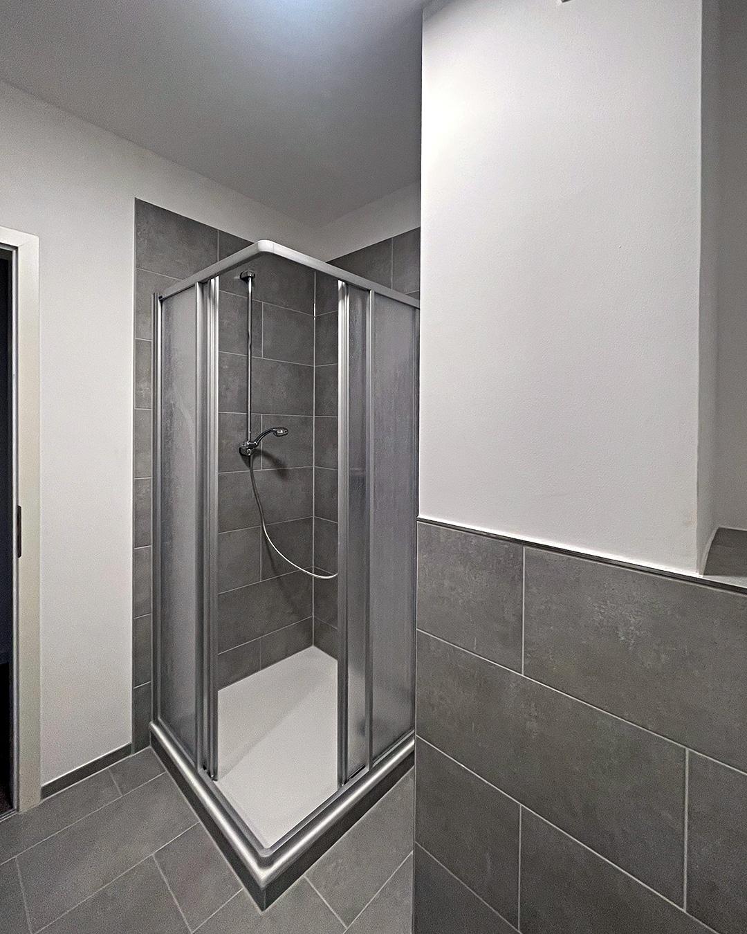 Bad 03, Architekturbüro Köln, Immobilie: Aufstockung + Innenausbau Mehrfamilienhaus