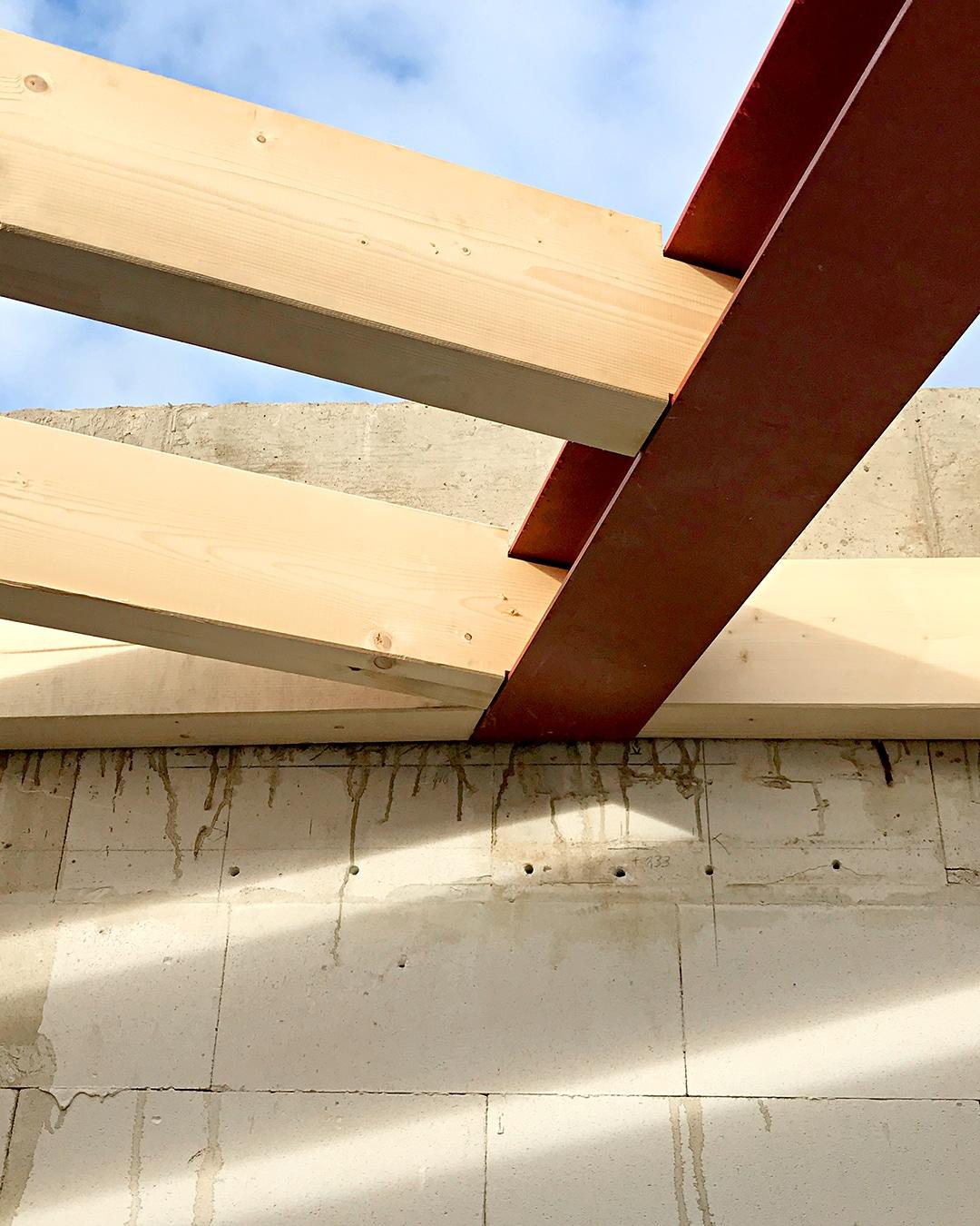 Holzbauweise, Architekturbüro Köln, Immobilie: Aufstockung + Innenausbau Mehrfamilienhaus
